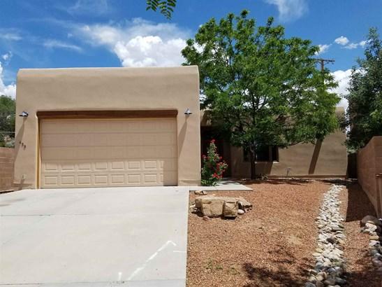 Pueblo, Single Family - Santa Fe, NM