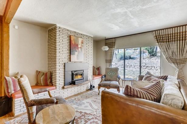 Pueblo,Ranch, Single Family - Santa Fe, NM