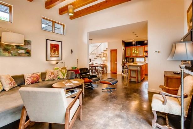 Condo, Contemporary - Santa Fe, NM (photo 4)