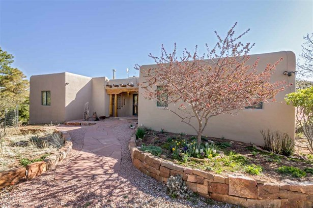 Pueblo,Passive Solar, Single Family - Santa Fe, NM (photo 2)