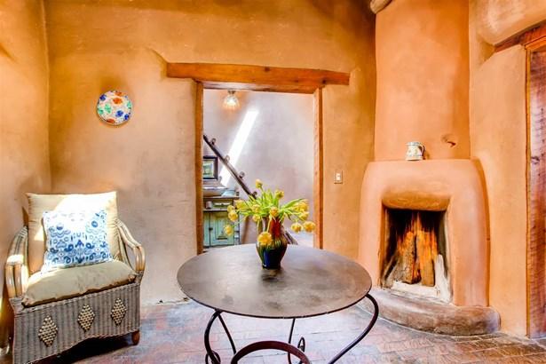Pueblo,Passive Solar, Single Family - Santa Fe, NM