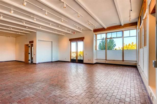Residential, Multi-Level,Pueblo - Santa Fe, NM (photo 3)