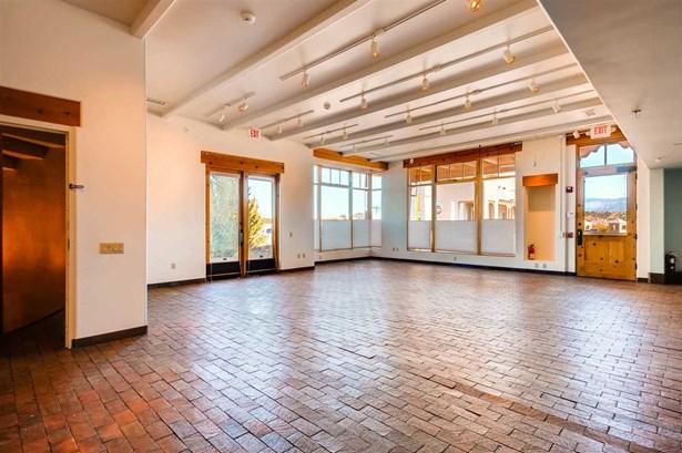 Residential, Multi-Level,Pueblo - Santa Fe, NM (photo 4)