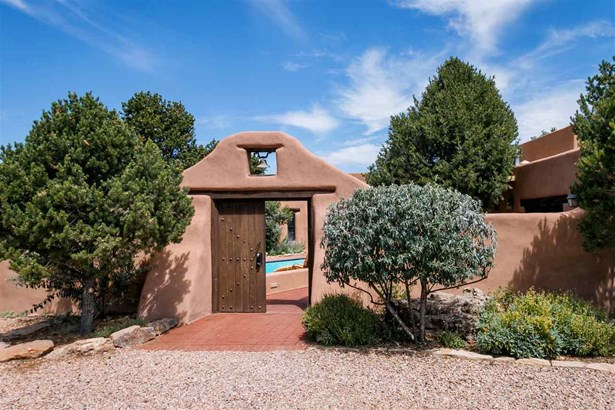 Pueblo, Single Family - Santa Fe, NM (photo 1)