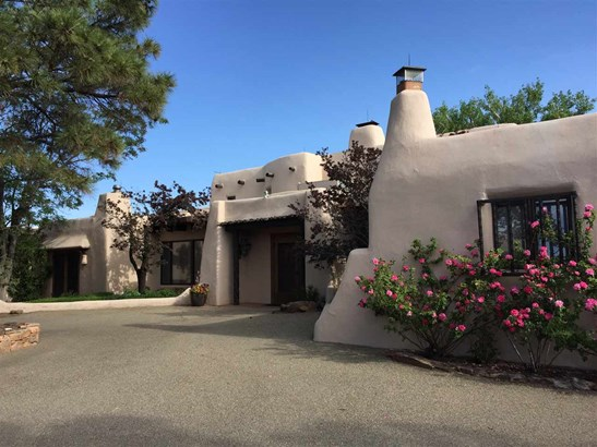 Pueblo, Single Family - Santa Fe, NM (photo 4)
