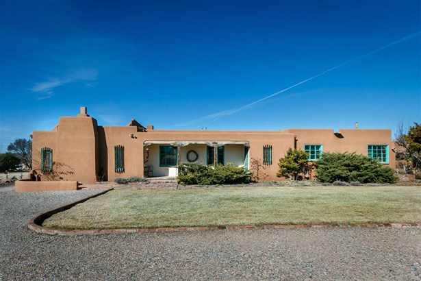 Pueblo,Passive Solar, Single Family - La Mesilla, NM (photo 3)
