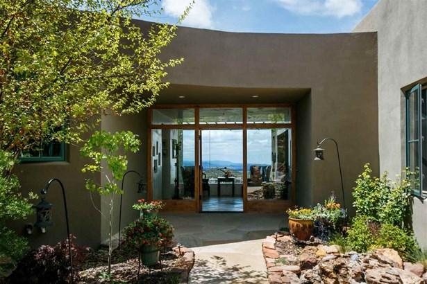 Contemporary, Single Family - Santa Fe, NM (photo 3)