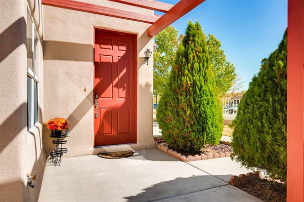 Passive Solar, Single Family - Santa Fe, NM (photo 4)