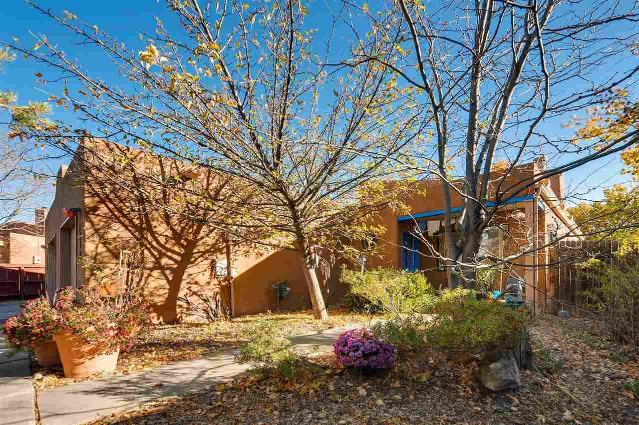 Townhouse, Pueblo - Santa Fe, NM (photo 1)
