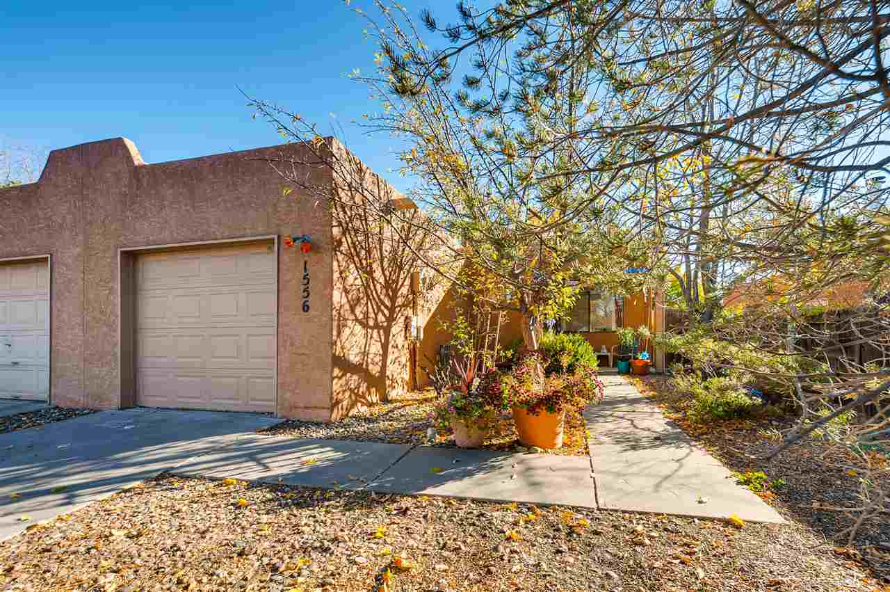 Townhouse, Pueblo - Santa Fe, NM (photo 2)