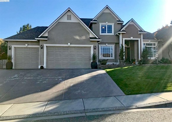 2 Story, Single Family - Kennewick, WA