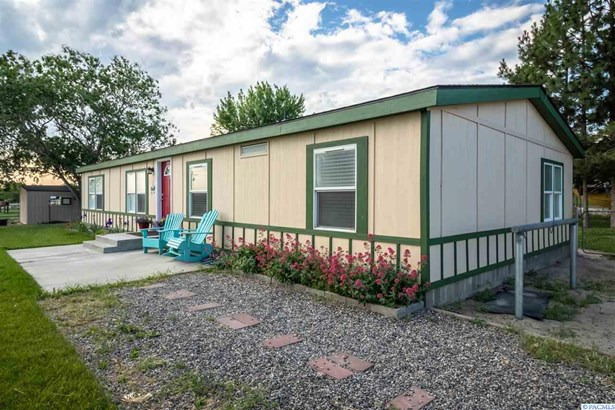 1 Story, Manufactured Home - Benton City, WA