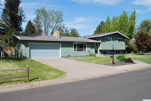 Tri-level, Single Family - Richland, WA (photo 1)