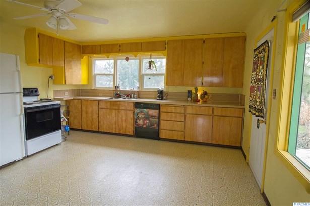 2 Story W/Basement, Single Family - Kennewick, WA (photo 5)