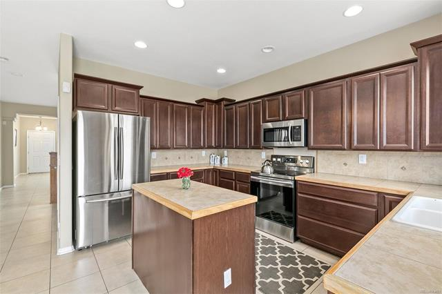 17035 East 102nd Place, Commerce City, CO - USA (photo 2)