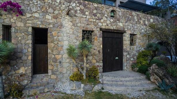 4 Privada Cañadita De Los Aguacates, San Miguel De Allende - MEX (photo 3)