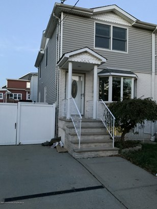 Colonial, Single Family - Semi-attached,Colonial - Staten Island, NY