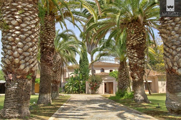 Beautiful riverside property for sale on Paseo del Parque – Sotogrande Costa (photo 1)