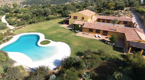 Excellent opportunity to acquire a luxurious Spanish country estate with Equestrian facilities (photo 1)
