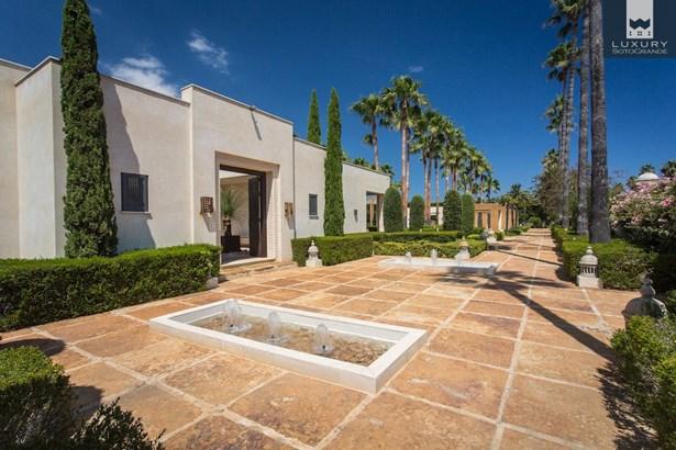 Villa Kabila- Luxury 16 bedroom Villa for sale in Sotogrande Costa (photo 2)