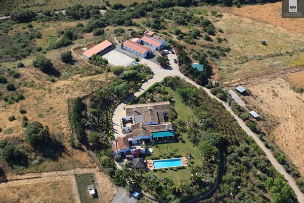 Equestrian Finca for sale near Sotogrande with land suitable for a private Polo field (photo 4)
