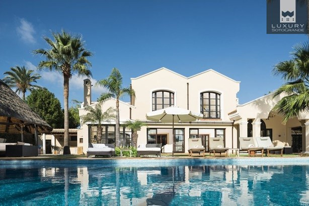 Spectacular Villa for Sale First Line Almenara Golf in Sotogrande (photo 3)