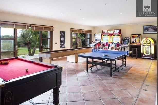Spectacular Villa for Sale First Line Almenara Golf in Sotogrande (photo 4)