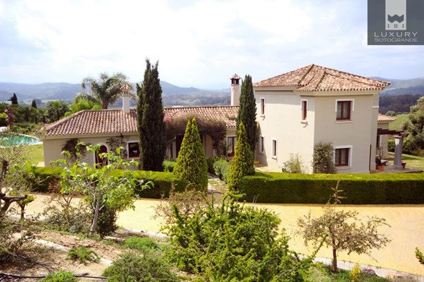 An Immaculate Country Estate for Sale around the prestigious Sotogrande Polo fields (photo 1)