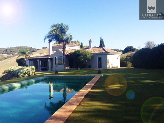 An Immaculate Country Estate for Sale around the prestigious Sotogrande Polo fields (photo 2)