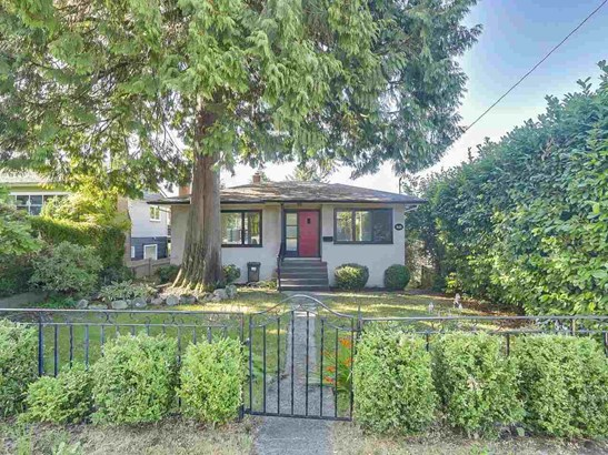 515 W Queens Road, North Vancouver, BC - CAN (photo 1)