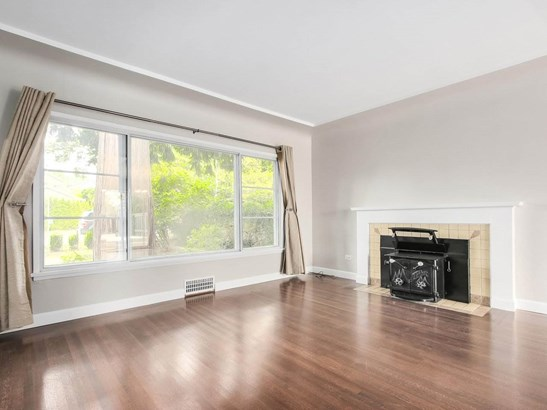 515 W Queens Road, North Vancouver, BC - CAN (photo 2)