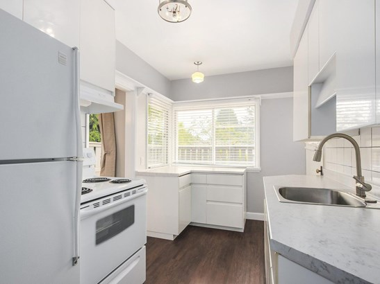 515 W Queens Road, North Vancouver, BC - CAN (photo 4)