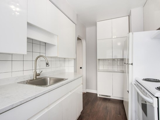 515 W Queens Road, North Vancouver, BC - CAN (photo 5)
