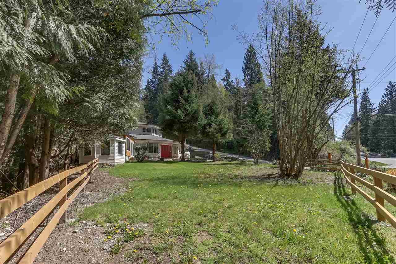1640 East Road, Anmore, BC - CAN (photo 2)
