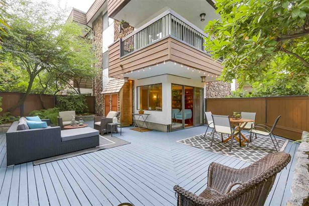 104 1484 Charles Street, Vancouver, BC - CAN (photo 1)