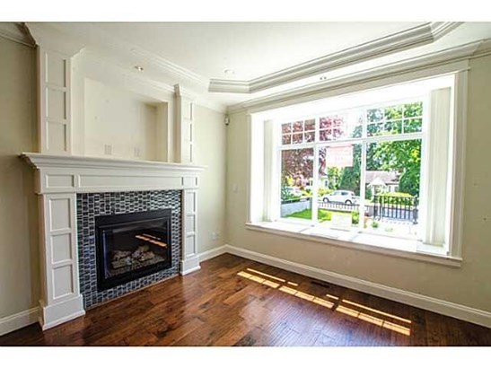 314 W 26th Street, North Vancouver, BC - CAN (photo 4)