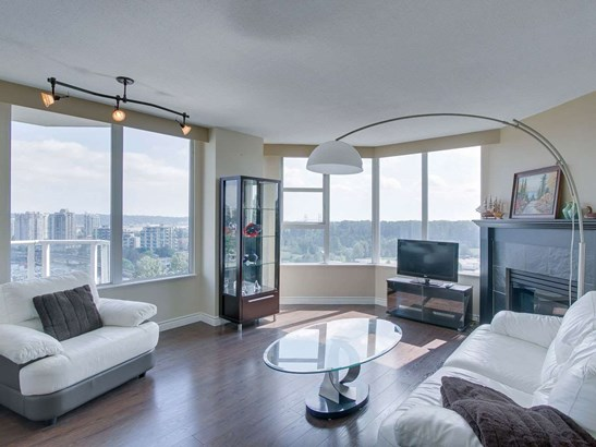 412 Twelfth Street 704, New Westminster, BC - CAN (photo 1)