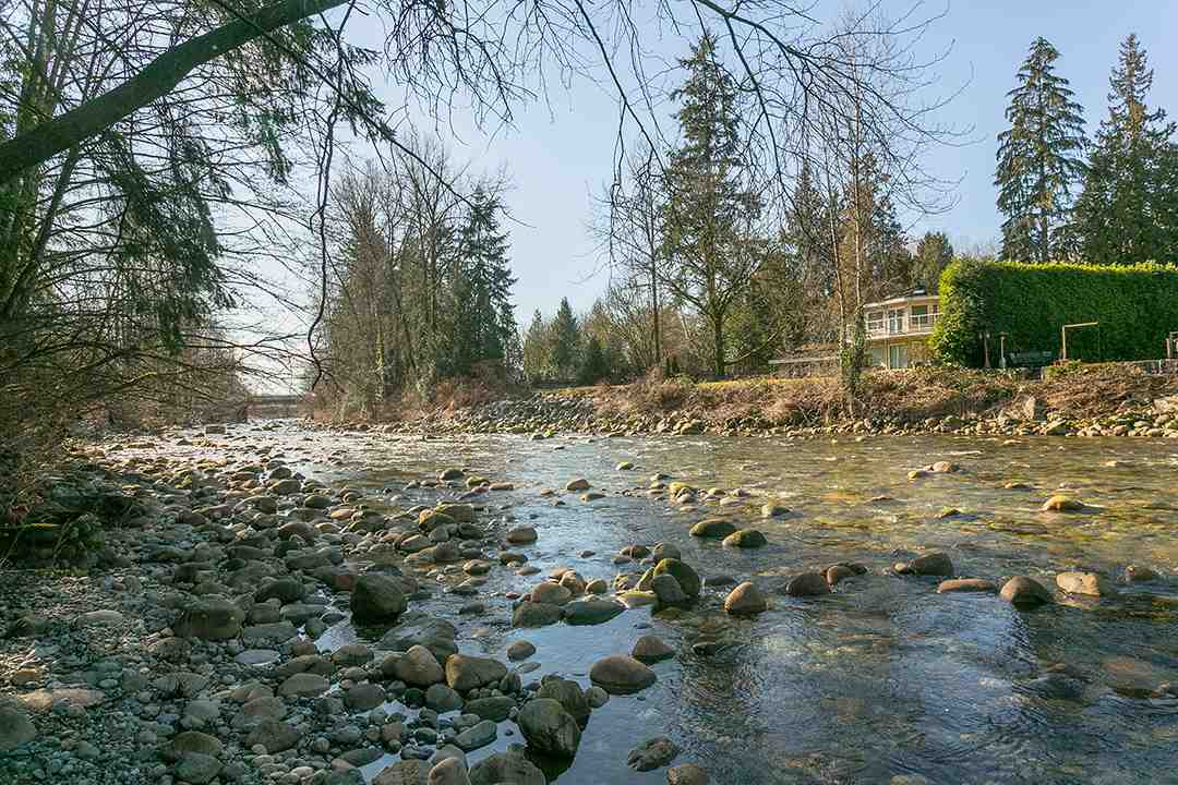 615 Riverside Drive, North Vancouver, BC - CAN (photo 4)