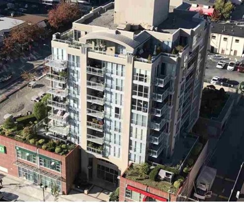 108 E 14th Street 402, North Vancouver, BC - CAN (photo 1)
