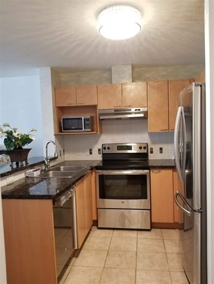 108 E 14th Street 402, North Vancouver, BC - CAN (photo 5)