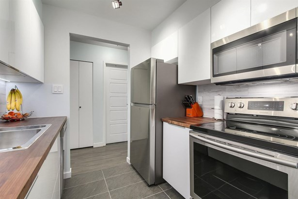 340 Ginger Drive 414, New Westminster, BC - CAN (photo 1)