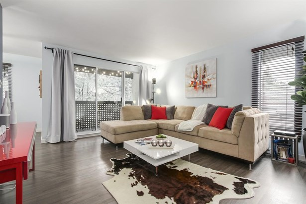 340 Ginger Drive 414, New Westminster, BC - CAN (photo 2)