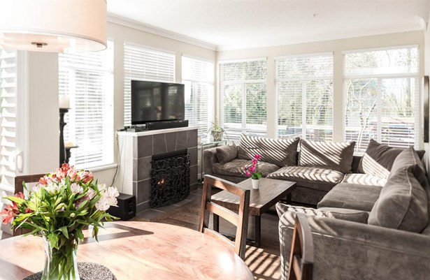 2520 Western Avenue, North Vancouver, BC - CAN (photo 1)