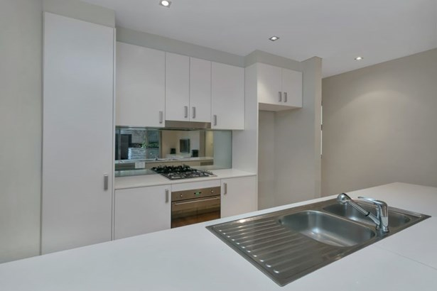 6/377-381 Barrenjoey Road, Newport - AUS (photo 2)