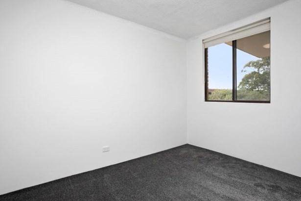 16/46 The Crescent, Dee Why - AUS (photo 2)
