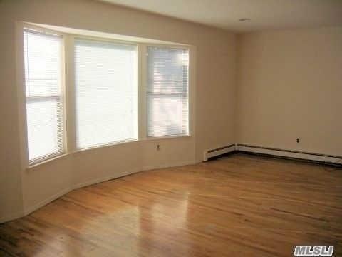 74 Lincoln Ave 2nd Fl, Mineola, NY - USA (photo 3)