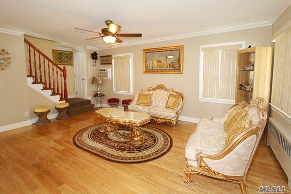 262-20 83rd Ave, Floral Park, NY - USA (photo 2)
