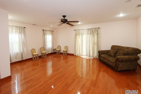 262-20 83rd Ave, Floral Park, NY - USA (photo 5)