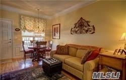 49 Warwick Dr, Massapequa, NY - USA (photo 2)