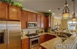 49 Warwick Dr, Massapequa, NY - USA (photo 4)